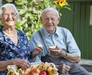 Yaşlılıkta Beslenme ve Beslenme Bozuklukları