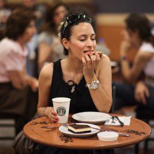 Diyet Yapmak Kadınları Neden Mutsuz Eder?