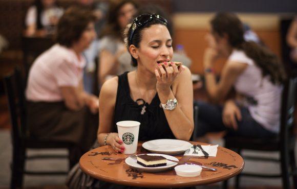 Diyet Yapmak Kadınları Mutsuz Eder